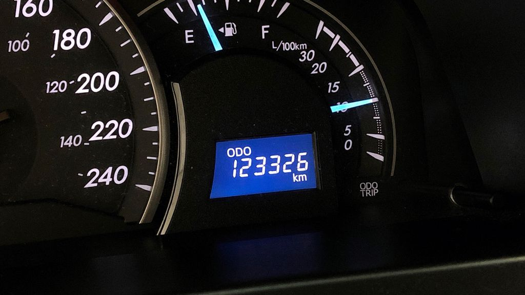 Silver[Classic Silver Metallic] 2012 Toyota Camry LE - Cruise Control, LOW KMs Used Toyota Odometer Photo in Winnipeg MB