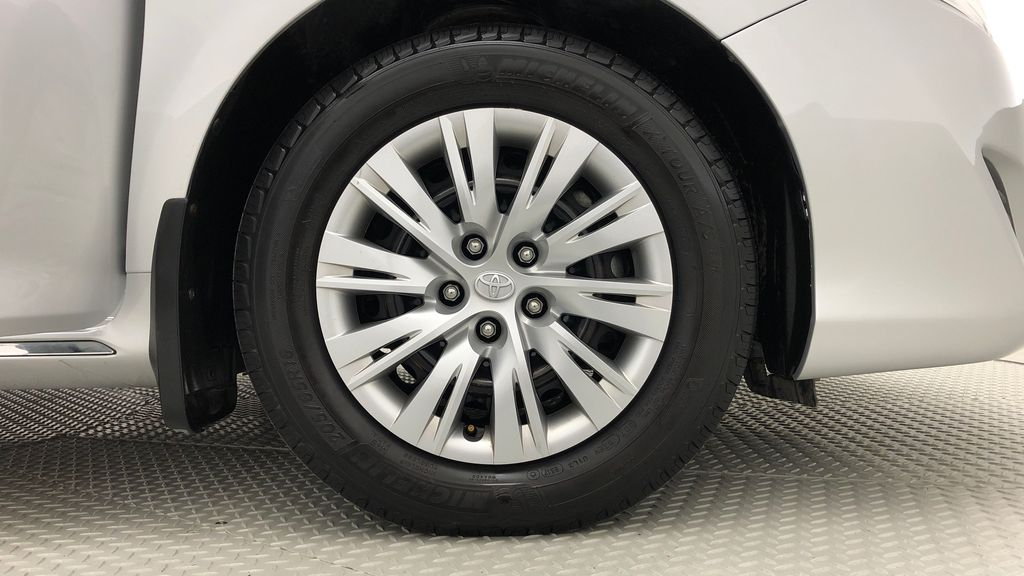 Silver[Classic Silver Metallic] 2012 Toyota Camry LE - Cruise Control, LOW KMs Used Toyota Right Front Rim and Tire Photo in Winnipeg MB