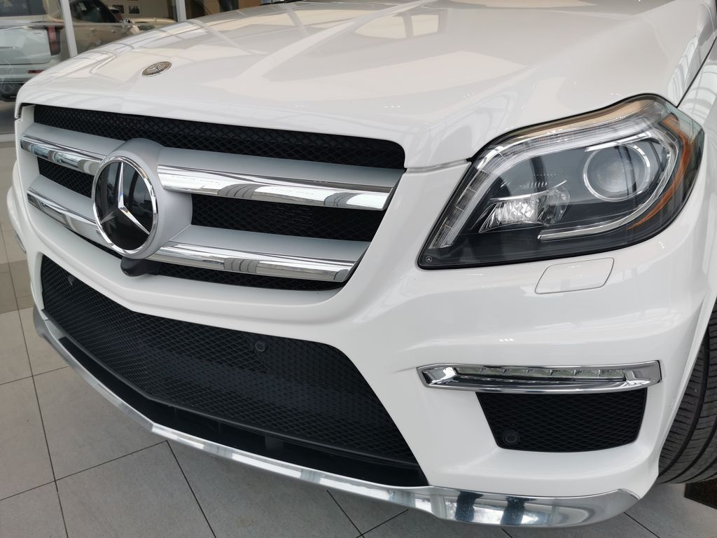 White[Polar White] 2015 Mercedes-Benz GL-Class Left Front Head Light / Bumper and Grill in Edmonton AB
