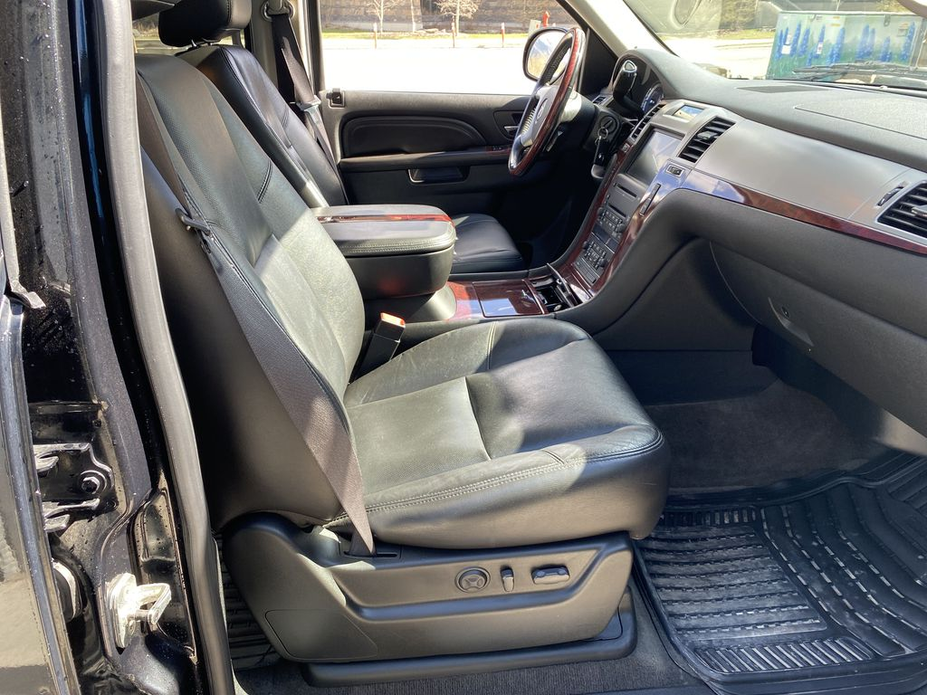 Black Ice Premium paint 2010 Cadillac Escalade ESV Right Side Front Seat  Photo in Canmore AB