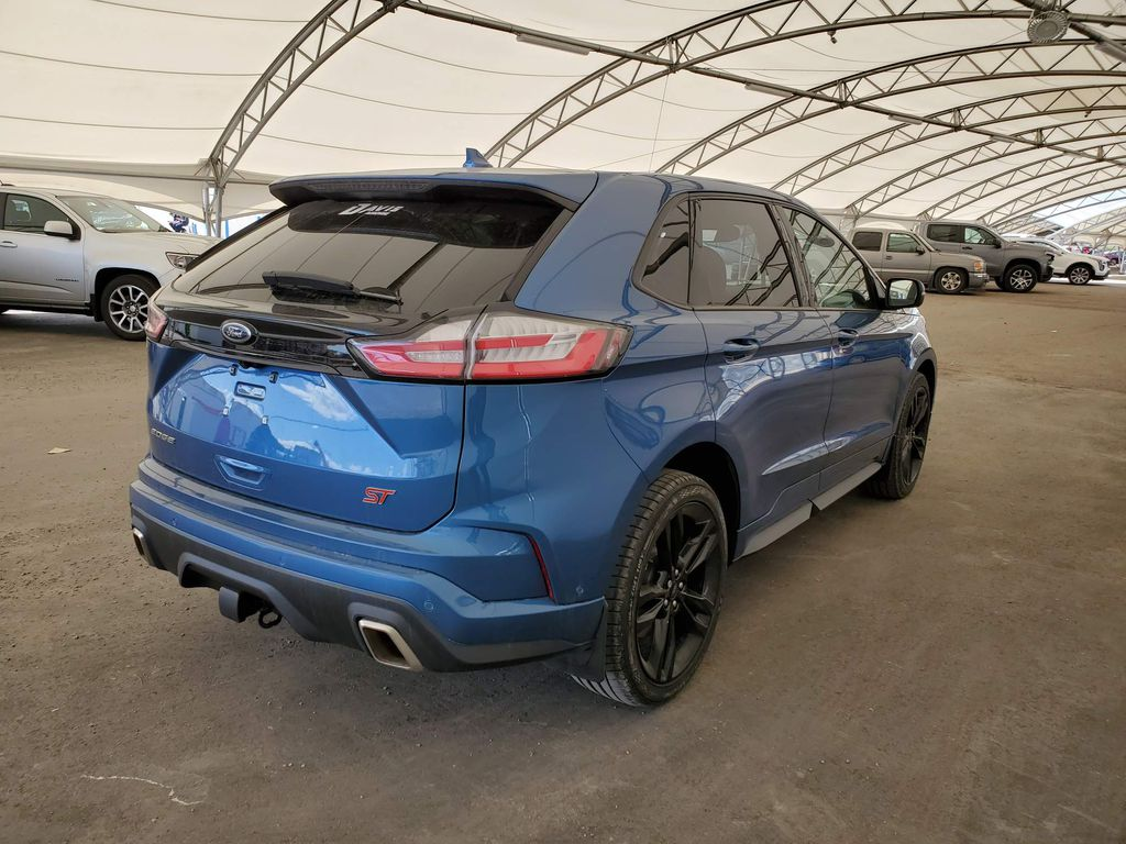 2019 Ford Edge Central Dash Options Photo in Airdrie AB