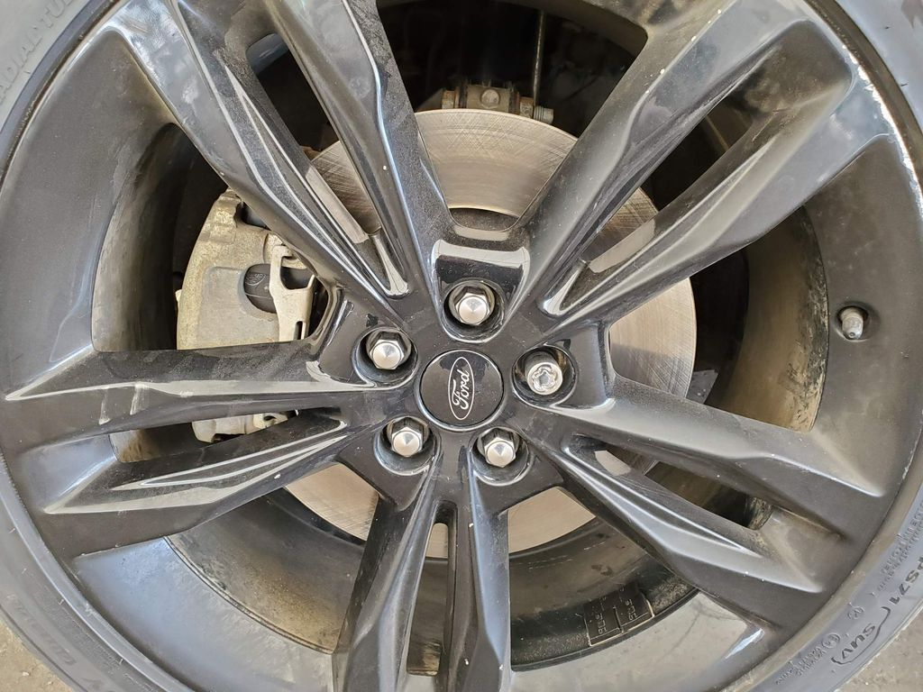 2019 Ford Edge Right Rear Corner Photo in Airdrie AB