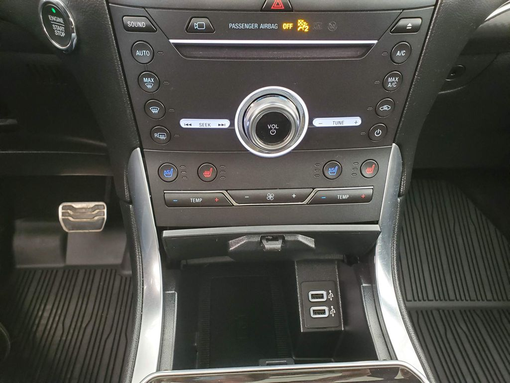 2019 Ford Edge Left Rear Corner Photo in Airdrie AB