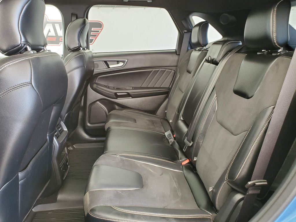 2019 Ford Edge Right Rear Interior Door Panel Photo in Airdrie AB