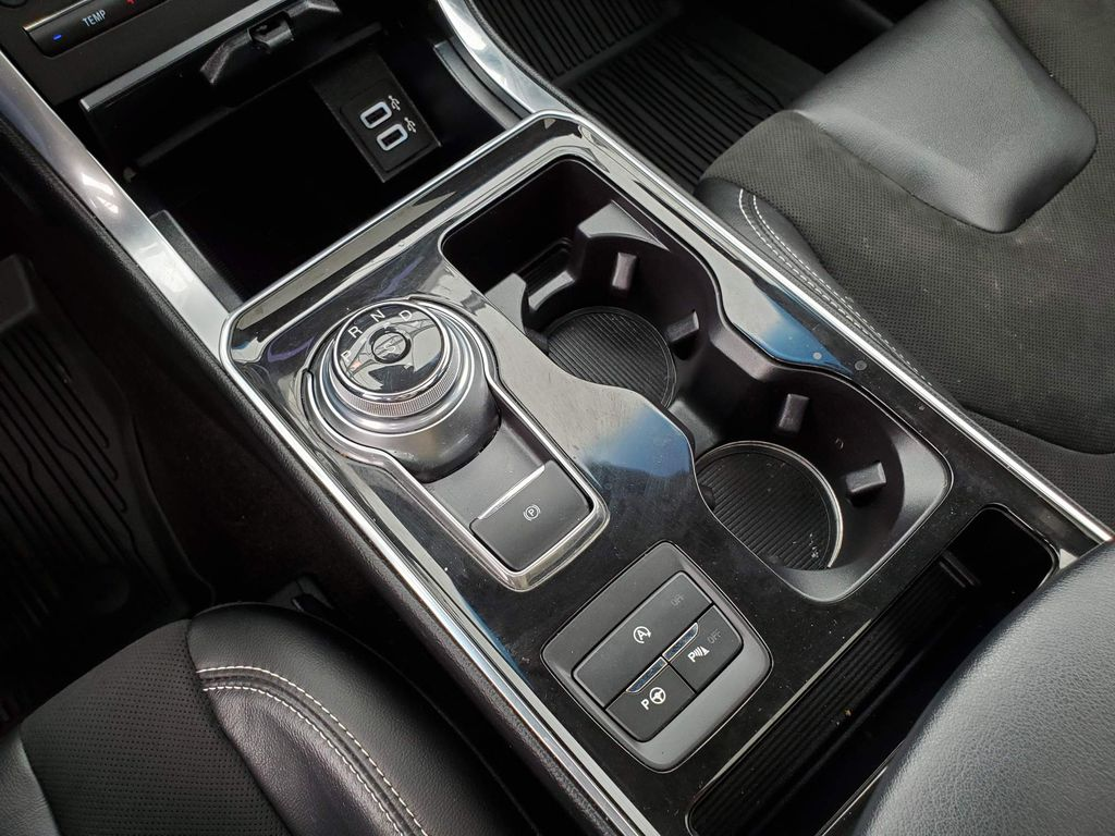 2019 Ford Edge Trim Specific Photo in Airdrie AB
