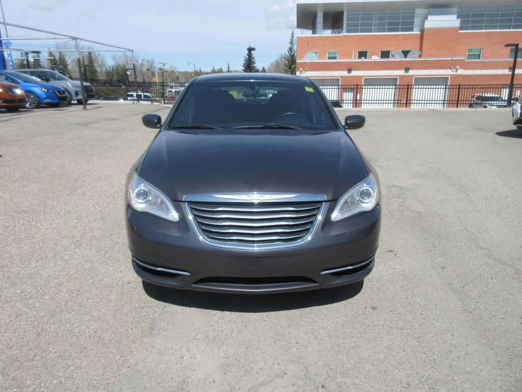 Silver[Billet Metallic Clearcoat] 2014 Chrysler 200 Front Vehicle Photo in Okotoks AB
