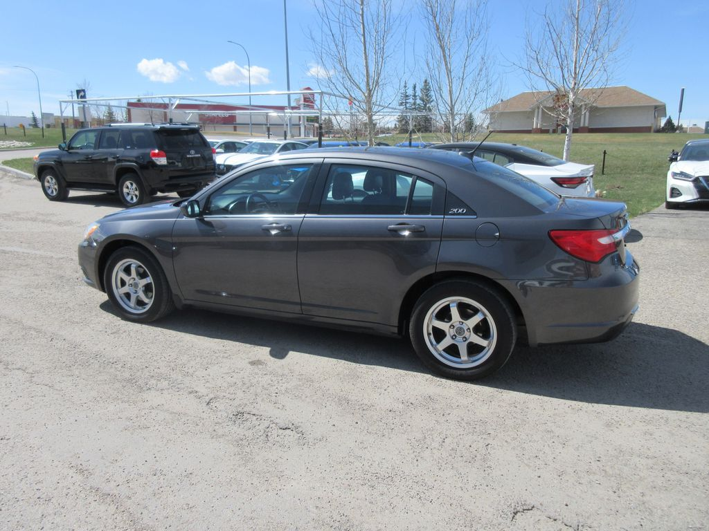 Silver[Billet Metallic Clearcoat] 2014 Chrysler 200 Central Dash Options Photo in Okotoks AB