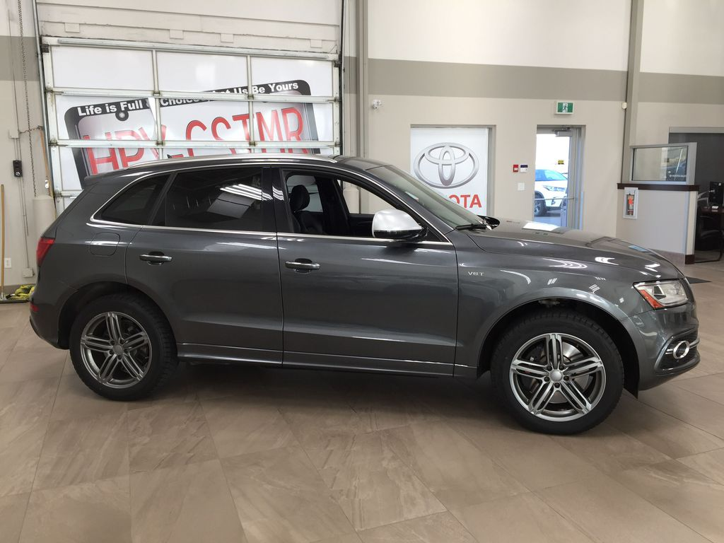 Silver[Cuvee Silver Metallic] 2015 Audi SQ5 / RARE / LOW KMS Right Side Photo in Sherwood Park AB