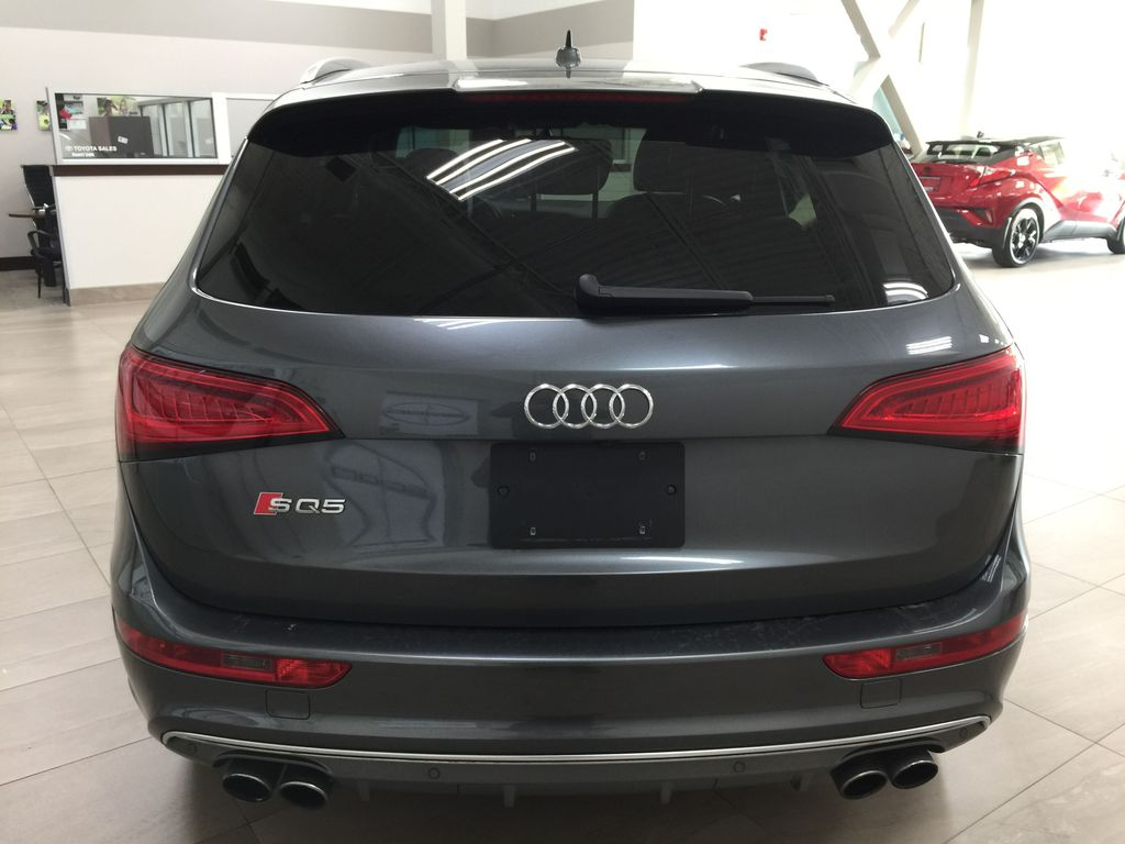 Silver[Cuvee Silver Metallic] 2015 Audi SQ5 / RARE / LOW KMS Rear of Vehicle Photo in Sherwood Park AB