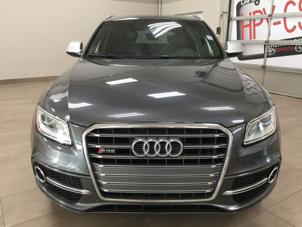 Silver[Cuvee Silver Metallic] 2015 Audi SQ5 / RARE / LOW KMS Front Vehicle Photo in Sherwood Park AB