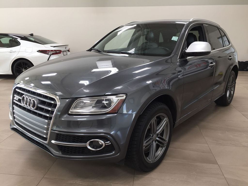 Silver[Cuvee Silver Metallic] 2015 Audi SQ5 / RARE / LOW KMS Left Front Corner Photo in Sherwood Park AB