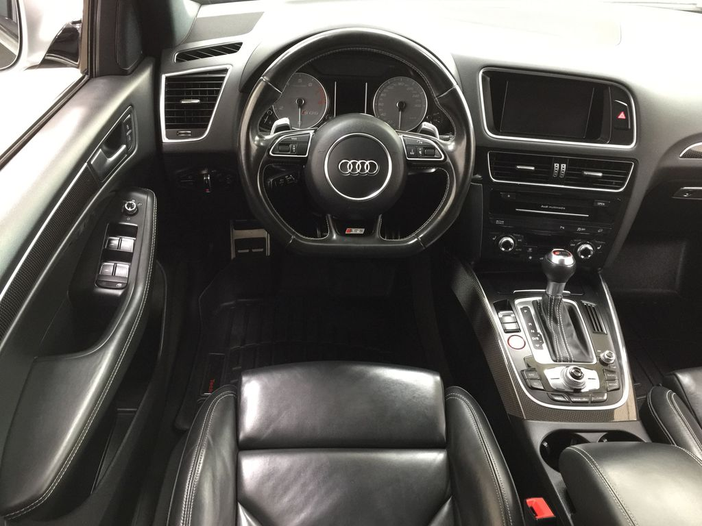 Silver[Cuvee Silver Metallic] 2015 Audi SQ5 / RARE / LOW KMS Left Front Seat Photo in Sherwood Park AB