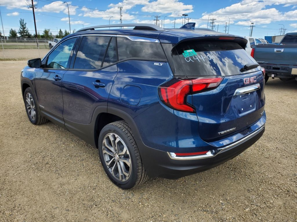 Blue 2021 GMC Terrain Left Front Rim and Tire Photo in Airdrie AB