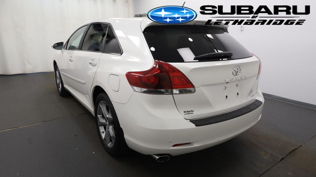 White 2014 Toyota Venza Left Front Rim and Tire Photo in Lethbridge AB