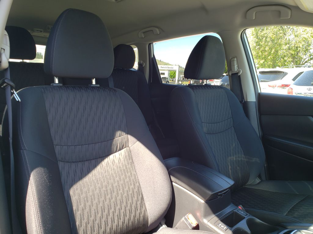 White[Glacier White] 2018 Nissan Rogue Right Side Front Seat  Photo in Kelowna BC