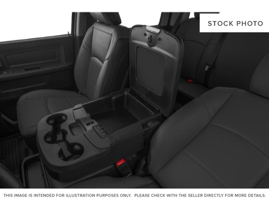 Granite Crystal Met. Clear Coat 2021 Ram 2500 Center Console Photo in Fort Macleod AB