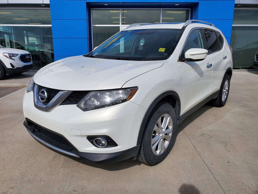 White[Moonlight White Pearl] 2014 Nissan Rogue Left Front Corner Photo in Fort Macleod AB