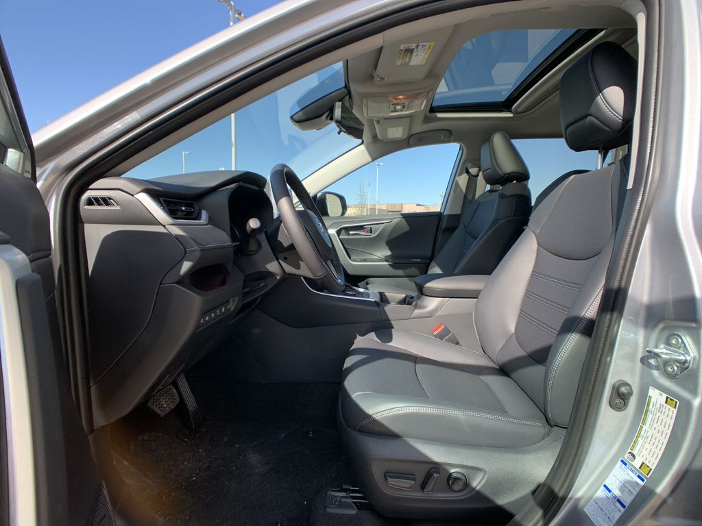Silver[Silver Sky Metallic] 2021 Toyota RAV4 AWD Limited Standard Package D1RFVT AM Central Dash Options Photo in Brampton ON