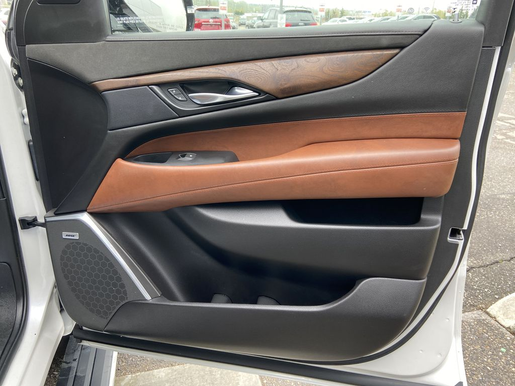 White[Crystal White Tricoat] 2019 Cadillac Escalade ESV Right Front Interior Door Panel Photo in Calgary AB