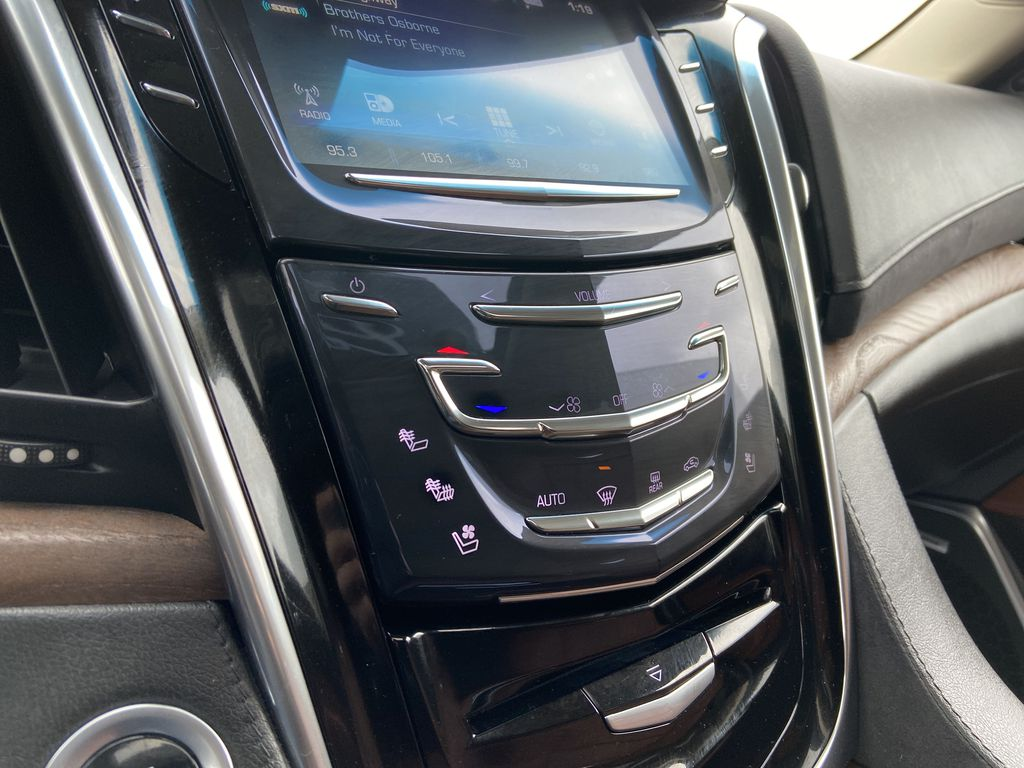 White[Crystal White Tricoat] 2019 Cadillac Escalade ESV Central Dash Options Photo in Calgary AB