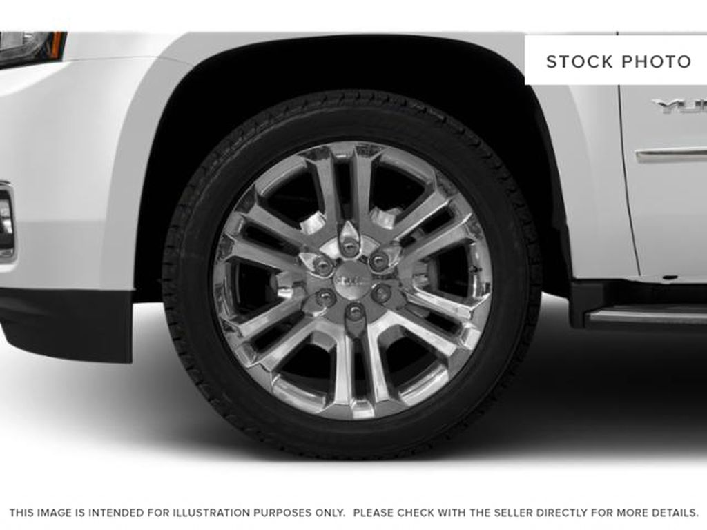 White[Summit White] 2020 GMC Yukon Left Front Rim and Tire Photo in Fort Macleod AB
