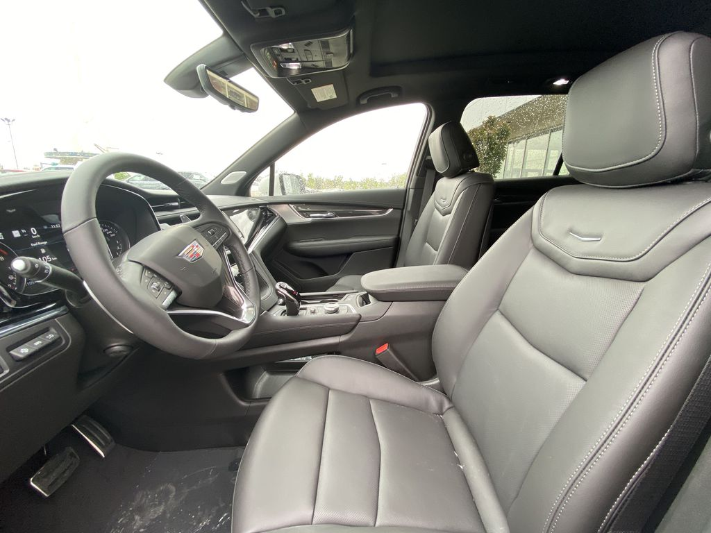 White[Crystal White Tricoat] 2021 Cadillac XT6 Sport Left Front Interior Photo in Calgary AB
