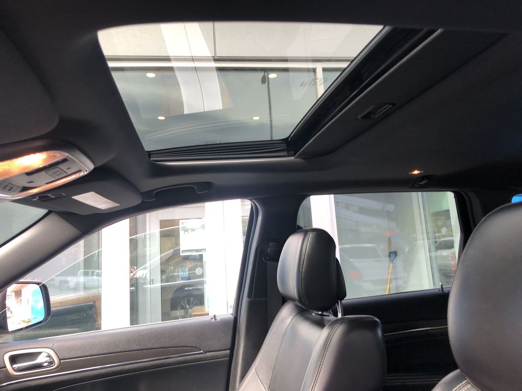 Gray[Granite Crystal Metallic] 2016 Jeep Grand Cherokee Limited Sunroof Photo in Canmore AB