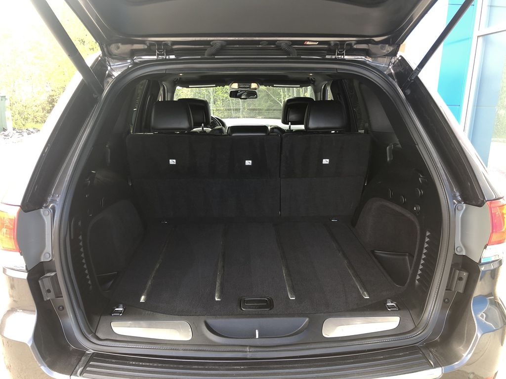Gray[Granite Crystal Metallic] 2016 Jeep Grand Cherokee Limited Trunk / Cargo Area Photo in Canmore AB