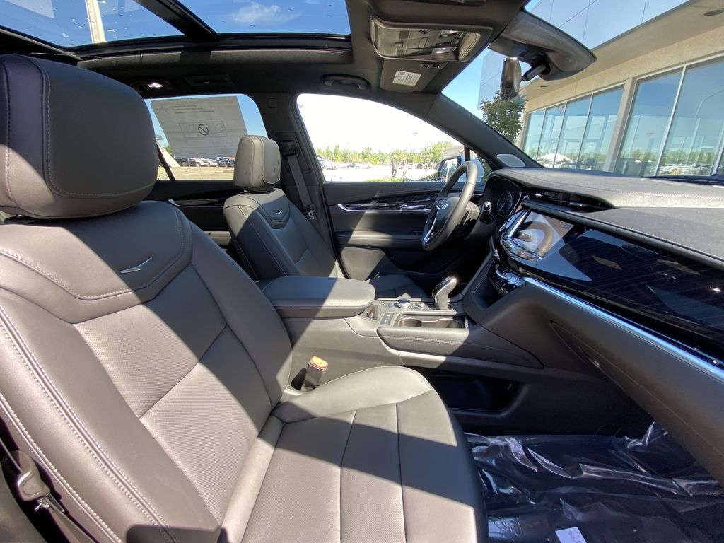 White[Crystal White Tricoat] 2021 Cadillac XT6 Premium Luxury Right Side Front Seat  Photo in Calgary AB