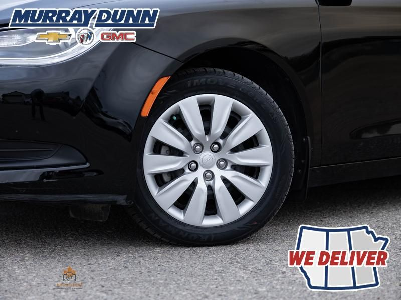 Black[Gloss Black] 2016 Chrysler 200 Left Front Rim and Tire Photo in Nipawin SK