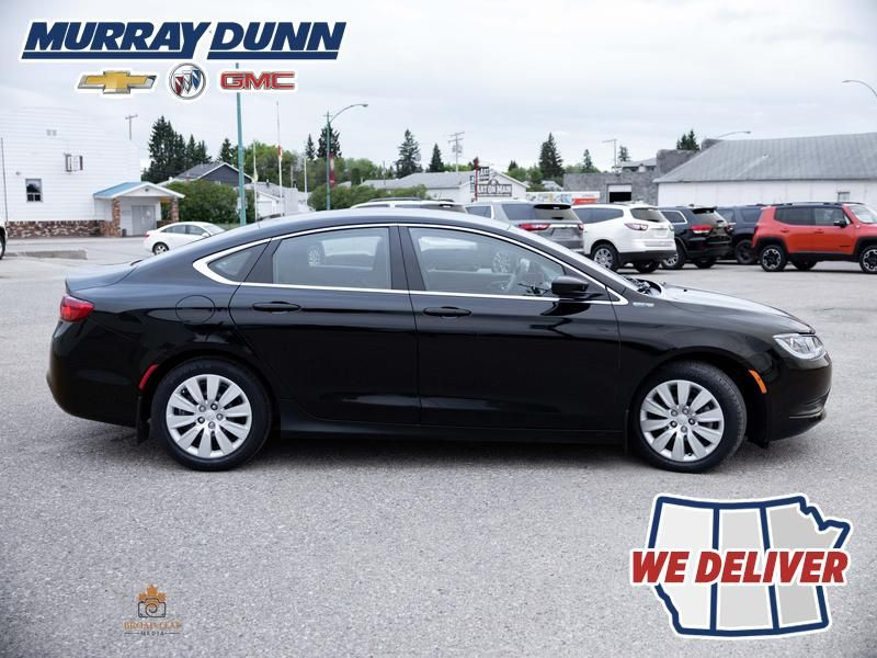 Black[Gloss Black] 2016 Chrysler 200 Right Side Photo in Nipawin SK