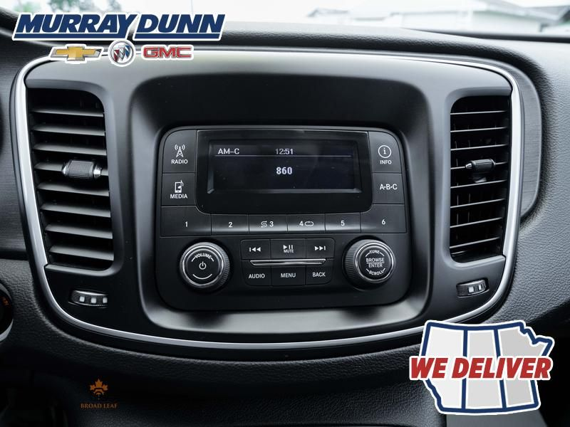 Black[Gloss Black] 2016 Chrysler 200 Central Dash Options Photo in Nipawin SK