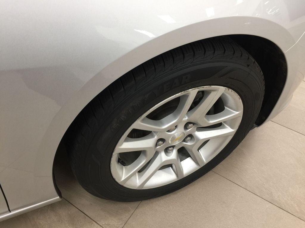 SILVER 2015 Chevrolet Malibu LT 1LT Right Front Rim and Tire Photo in Sherwood Park AB