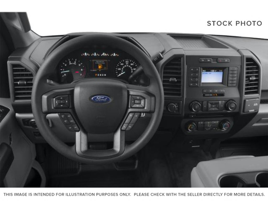 Black[Agate Black] 2020 Ford F-150 Steering Wheel and Dash Photo in Fort Macleod AB