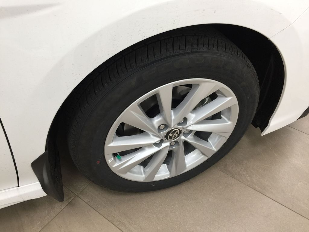White[Super White] 2021 Toyota Camry SE FWD Right Front Rim and Tire Photo in Sherwood Park AB