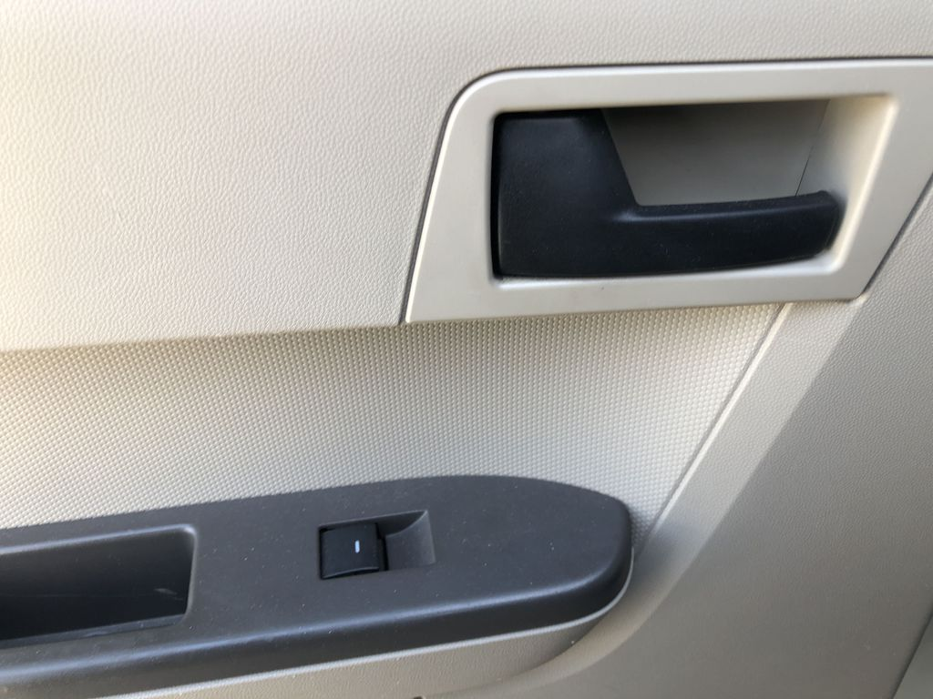 Silver[Silver Metallic] 2008 Ford Escape XLT LR Door Panel Ctls Photo in Canmore AB