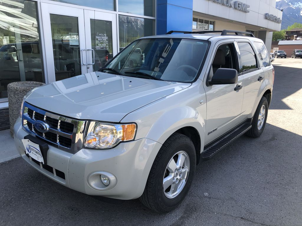 Silver[Silver Metallic] 2008 Ford Escape XLT Left Front Corner Photo in Canmore AB