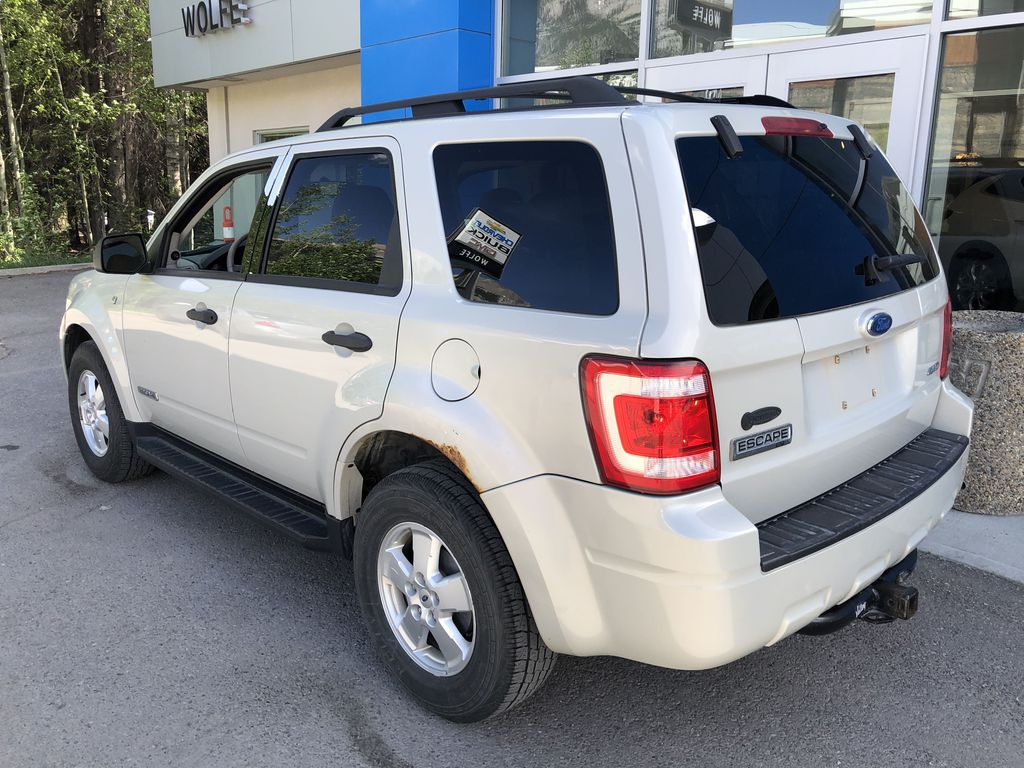 Silver[Silver Metallic] 2008 Ford Escape XLT Left Rear Corner Photo in Canmore AB