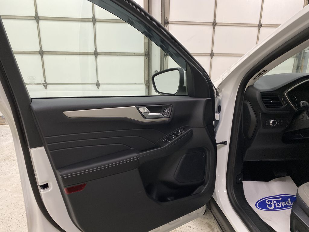 White[Oxford White] 2021 Ford Escape Left Front Interior Door Panel Photo in Dartmouth NS