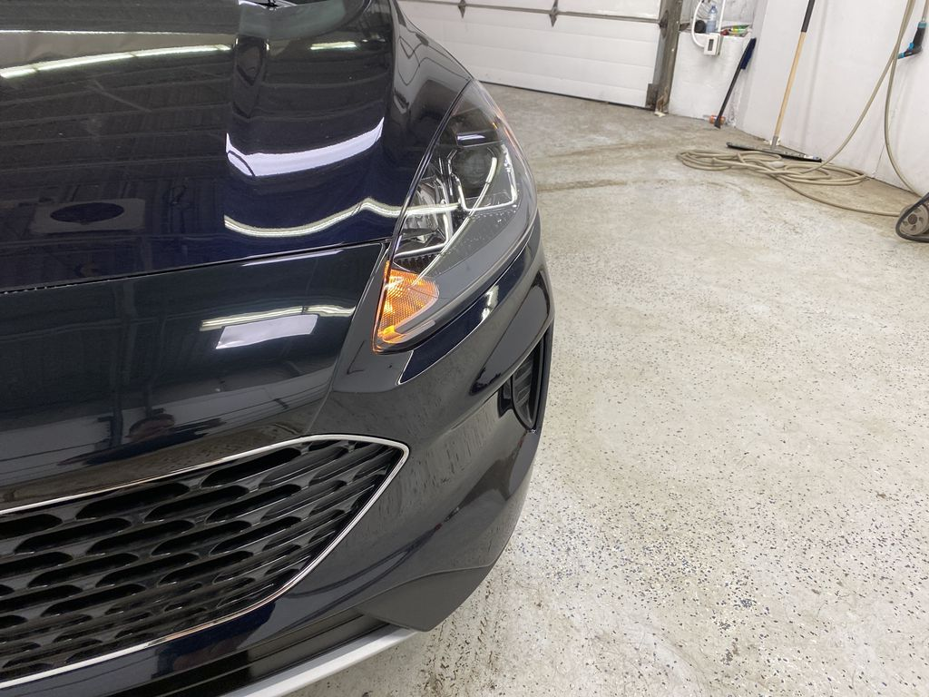 Blue[Antimatter Blue Metallic] 2021 Ford Escape Left Front Head Light / Bumper and Grill in Dartmouth NS