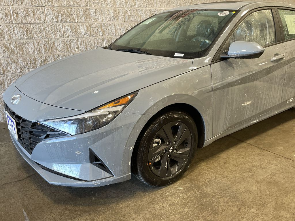 Gray[Electric Shadow] 2021 Hyundai Elantra Left Front Rim and Tire Photo in Belleville ON