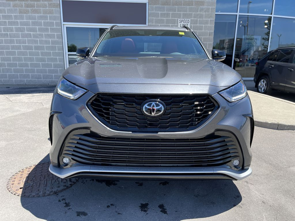 Gray[Magnetic Grey Metallic] 2021 Toyota Highlander AWD XSE Package LZRBHT AN Left Side Photo in Brampton ON