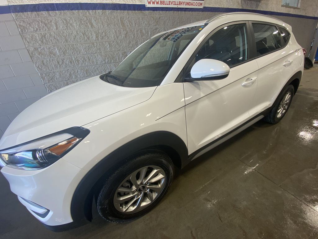 White[Winter White] 2018 Hyundai Tucson  Driver's Side Door Controls Photo in Belleville ON