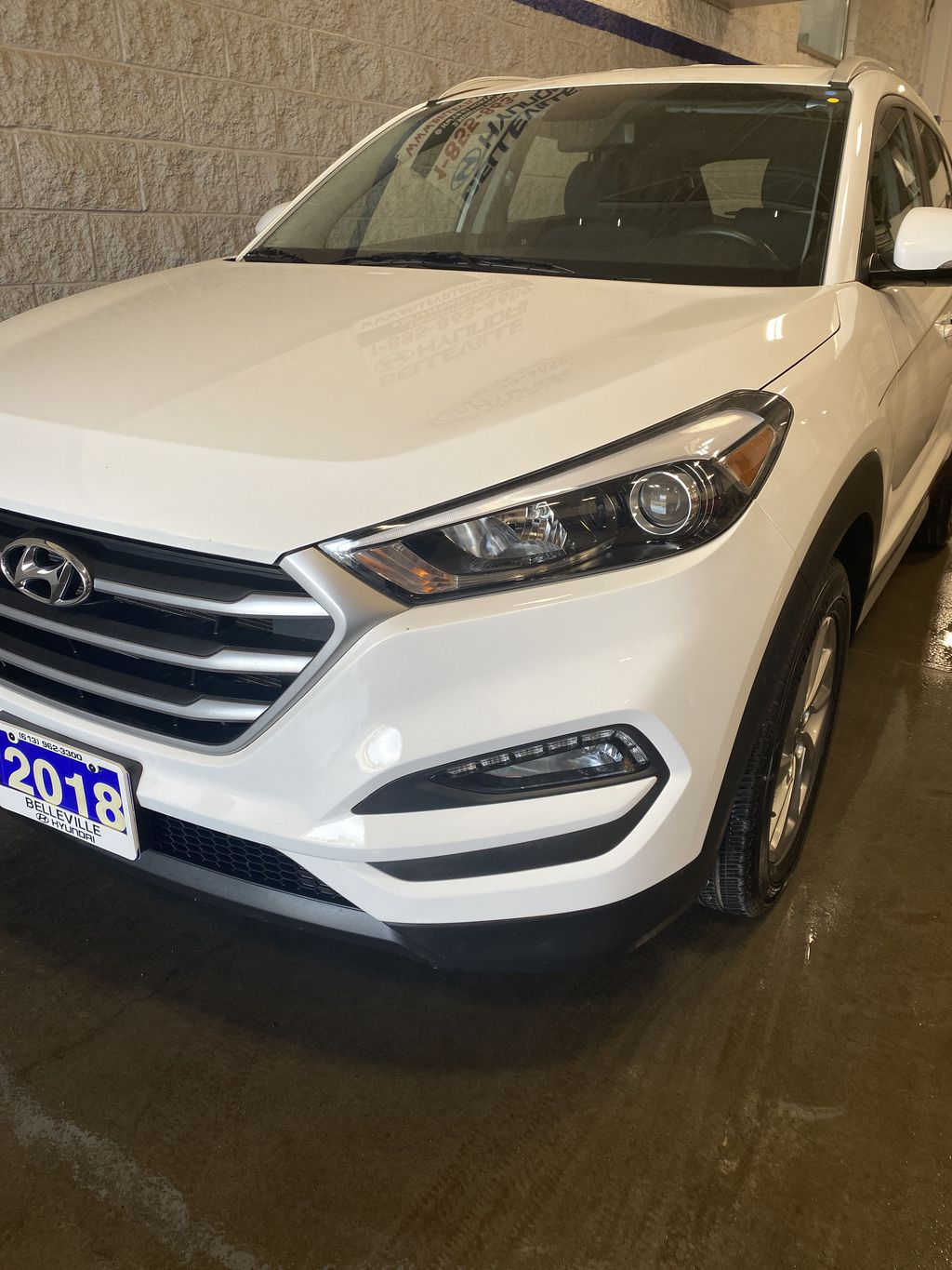 White[Winter White] 2018 Hyundai Tucson Left Front Rim and Tire Photo in Belleville ON