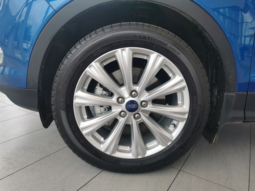 Blue[Lightning Blue] 2019 Ford Escape Left Front Rim and Tire Photo in Edmonton AB