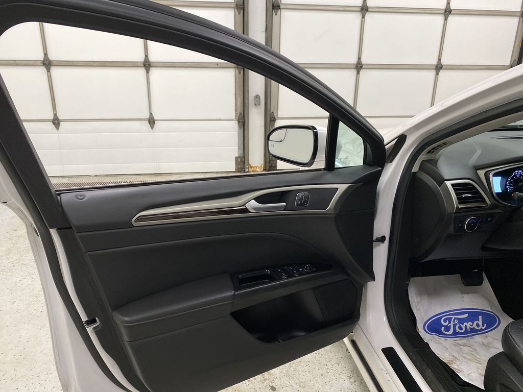 UNKNOWN 2016 Ford Fusion Left Front Interior Door Panel Photo in Dartmouth NS