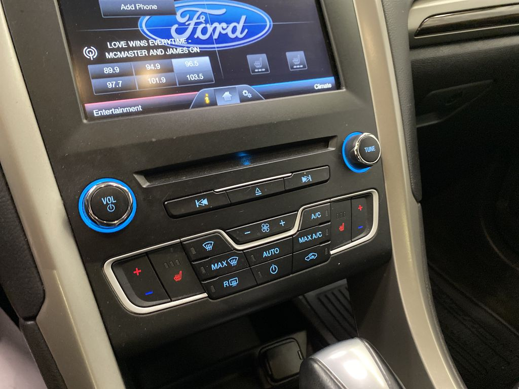 UNKNOWN 2016 Ford Fusion Central Dash Options Photo in Dartmouth NS