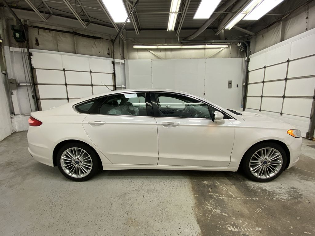 UNKNOWN 2016 Ford Fusion Right Side Photo in Dartmouth NS