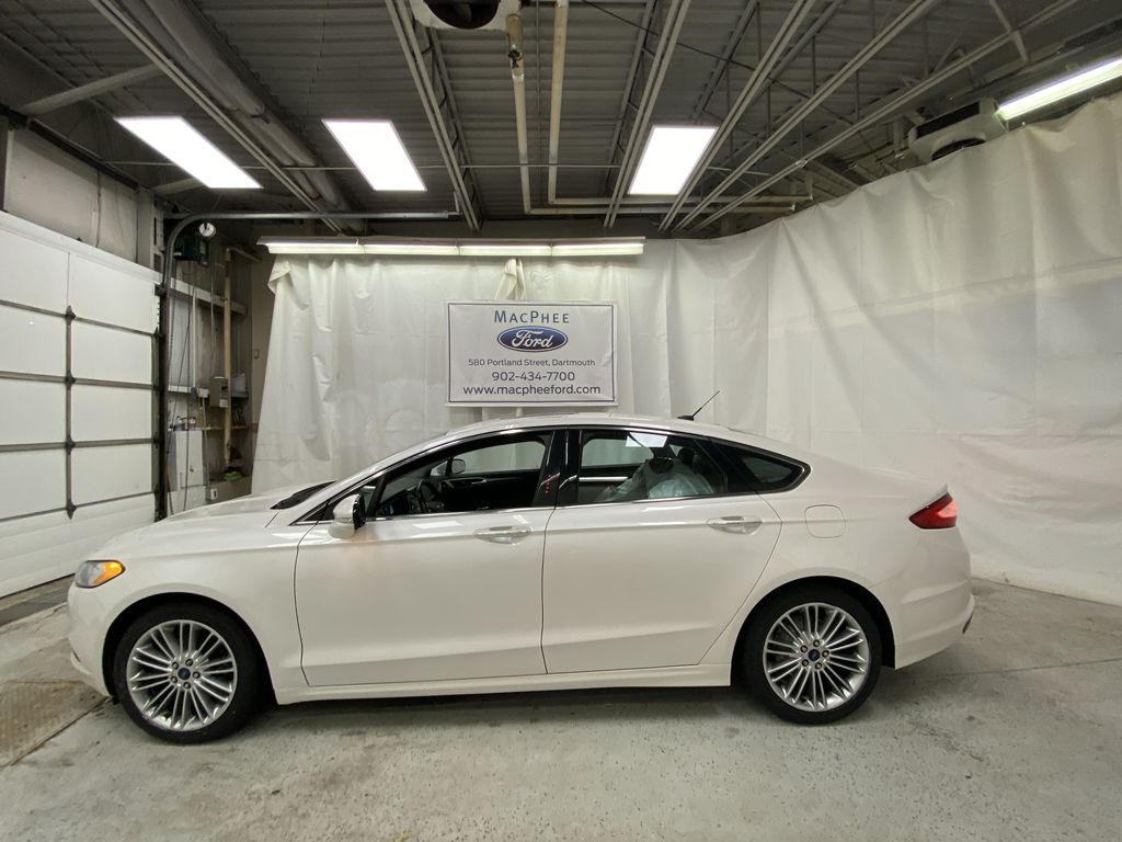 UNKNOWN 2016 Ford Fusion Left Side Photo in Dartmouth NS
