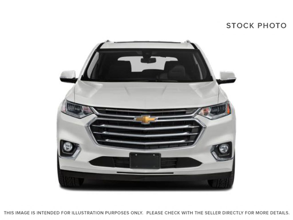 White[Iridescent Pearl Tricoat] 2019 Chevrolet Traverse Front Vehicle Photo in Fort Macleod AB